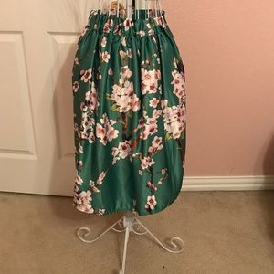 CHOISE Dresses & Skirts - Green floral skirt.