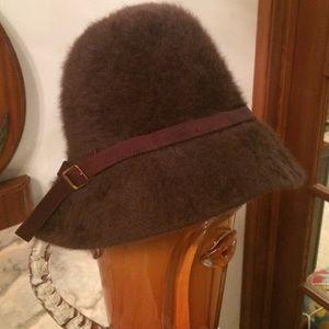 KANGOL Accessories - KANGOL BROWN HAT !