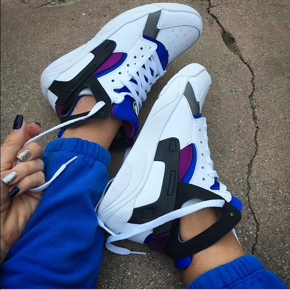 the latest b6524 8c659 NWOB 💙 HUARACHE RETRO SIZE 7 yth   8.5 women
