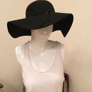 Gypsy warrior floppy hat in black