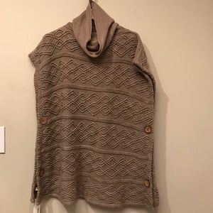 Tan sweater poncho. NWT. Size medium