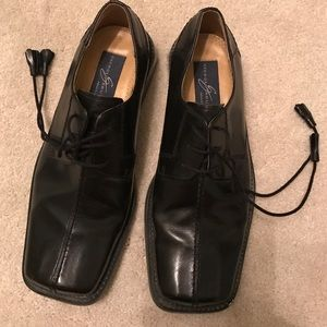 Giorgio Brutini Other - Black Giorgio Brutini dress shoes.