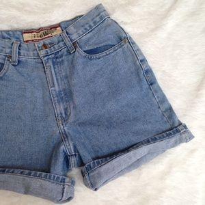vintage high waisted light wash denim shorts
