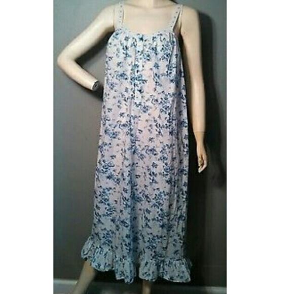 MD Victoria s Secret Shabby Chic Cotton Nightgown.  M 583930ee41b4e0173706b7b1 870634e31