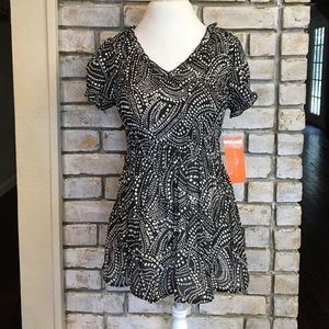 Sunny Leigh Tops - NWT SHEER BLACK AND WHITE BLOUSE