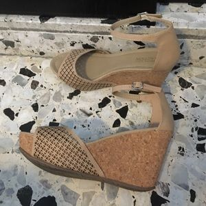 Kenneth Cole Shoes - Kenneth Cole Platforms