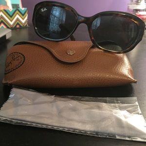 Ray-Ban Sunglasses - NWOT