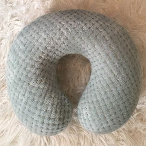 Accessories - Fuzzy Neckpillow