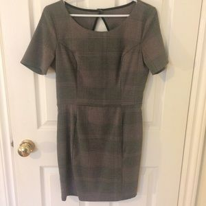 Simple Plaid detail dress with open back.