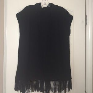 Sweaters - Short sleeve open front cardigan with fringe
