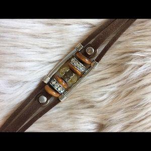 Jewelry - ❤️Pleather brown bracelet. ❤️