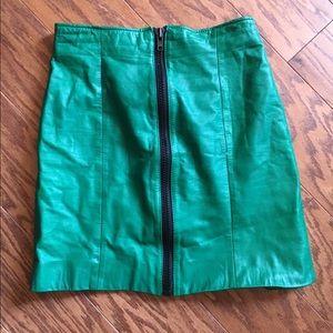 Dresses & Skirts - Vintage green leather zip skirt