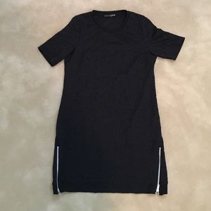 Dresses & Skirts - Black short sleeved dress