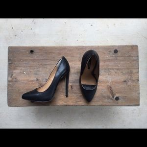 SALE Classic heels