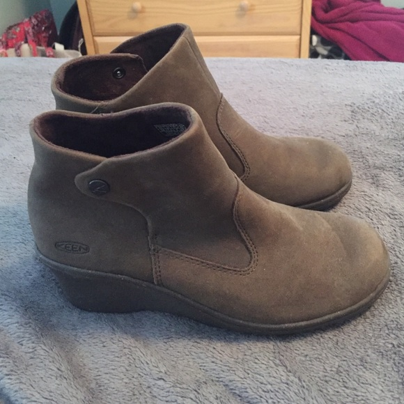 Keen Shoes - Women s Keen Akita ankle boots size 7.5 c030b2398d1