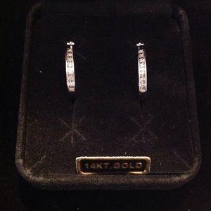 NEW 14k WHITE GOLD DIAMOND EARRINGS 螺 REDUCED