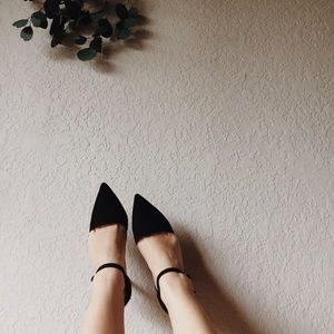 14th & Union  Shoes - 14&union pointed toe velvet heels