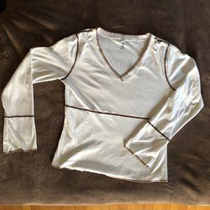 Isis Tops - V-neck shirt, activewear fabric
