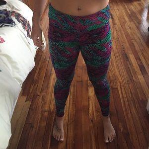 Onzie Snakeprint Multicolor Yoga Pant