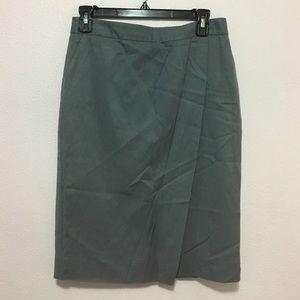 classiques entier Dresses & Skirts - Classiques entier grey skirt. Size 6.