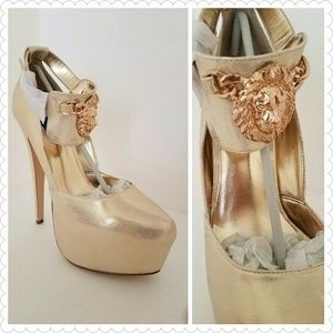 Penny Sue Shoes - New Sexy King Gold platform heels Size 7.5