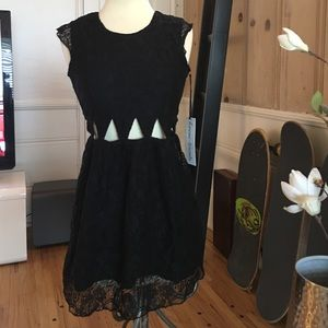 Lovers + Friends Dresses & Skirts - Lovers + Friends cutout lace holiday dress BNWT