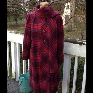 🎉🎊 HOST PIC🎉🎊VTG 60s Wool Plaid Coat,Pretty!!