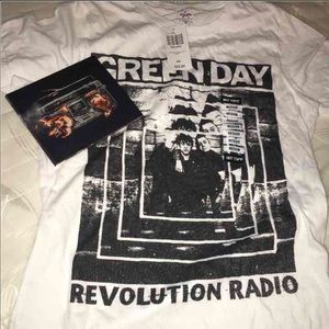 Green day cd and shirt
