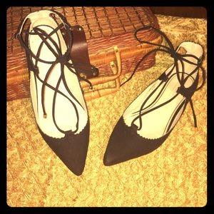 Topshop Pointy Toe Lace-Up Black Flats Sz 9