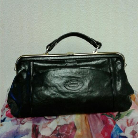 Vintage Oroton Australia Black Leather Satchel Bag.  M 583a351999086a1ef609bee6 070b88034e026