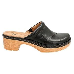 Clarks Preslet Black Leather Studded Clogs