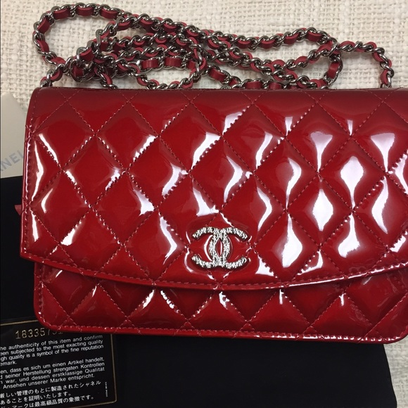 0b05bcd87535 CHANEL Handbags - Chanel red patent leather wallet on the chain