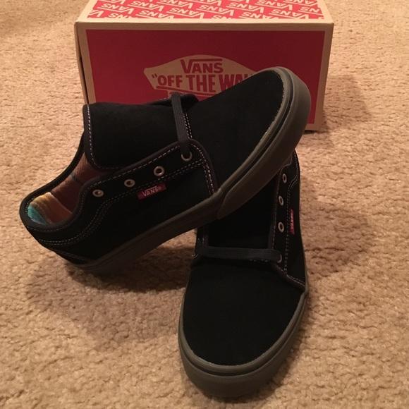 06ebe2292c5cf Vans Chukka Low Pro skate shoes Boutique