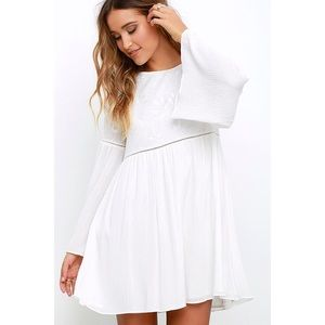🆕 Ivory Embroidered Bell Sleeve Tie Back Dress