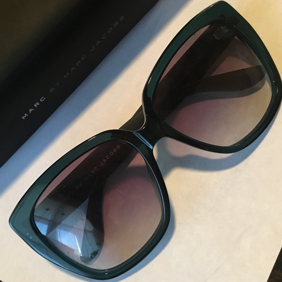 c0655a67211 Marc Jacobs Turquoise square rimmed sunglasses. M 5845d419bcd4a72683041842.  Other Accessories ...