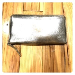 kate spade Handbags - ♠️Kate spade metallic leather zipper wallet