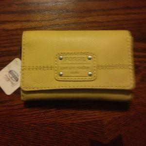 Handbags - NEW Fossil Wallet