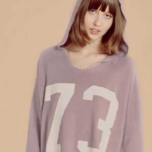 WILDFOX pullover hoodie