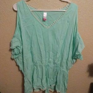 Tops - Turquoises blouse open from the top of shoulder