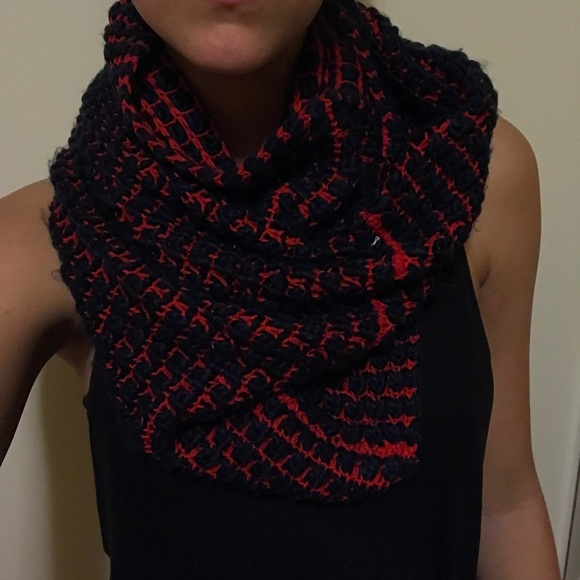 Gap Infinity Scarf Knitting Pattern : 52% off GAP Accessories - GAP KNIT INFINITY SCARF from ...