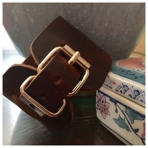 Jewelry - 🎈firm🎈NWOT Thick Leather Brown Bracelet w Buckle