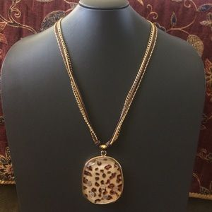 NWOT animal print necklace