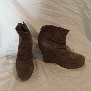 Boutique 9 Shoes - Taupe Suede Booties