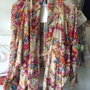 Unif floral top