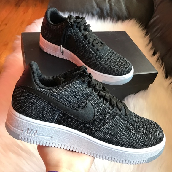 2e02e023da3 Nike Air Force 1 Flyknit Low Sneakers