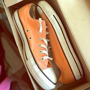 Converse Other - Peach/orange converse
