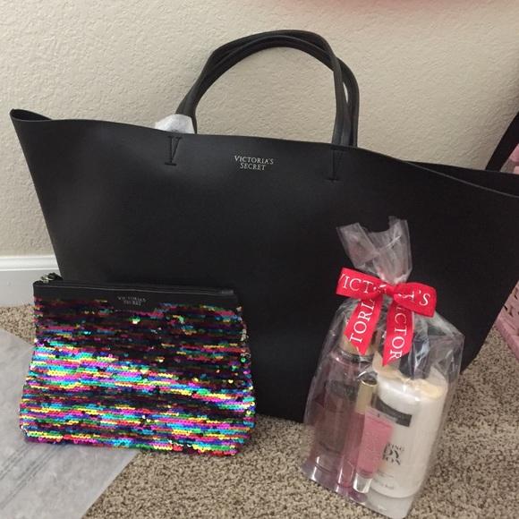 fbe1630bc9d Victoria s Secret Bags   Victorias Secret Black Friday Tote Bonus ...