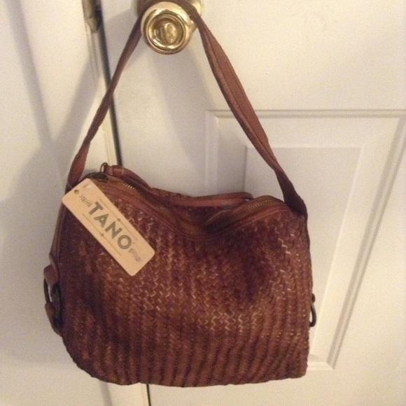 240df28a3920 Handbags - Tano leather bag.