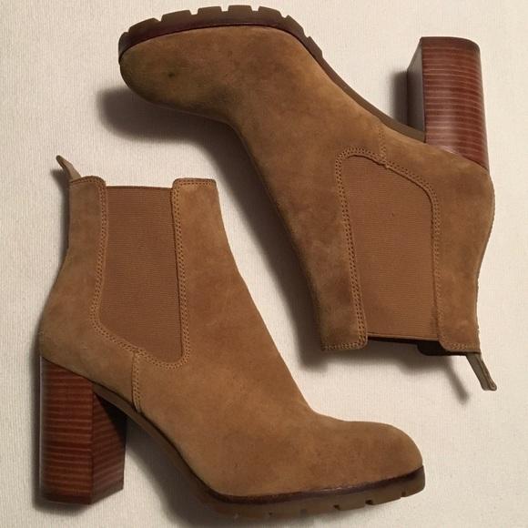 f433273b1a84 Tory Burch Tan Suede Ankle Boots sz 10M. M 583b47774127d0c8990d3e04