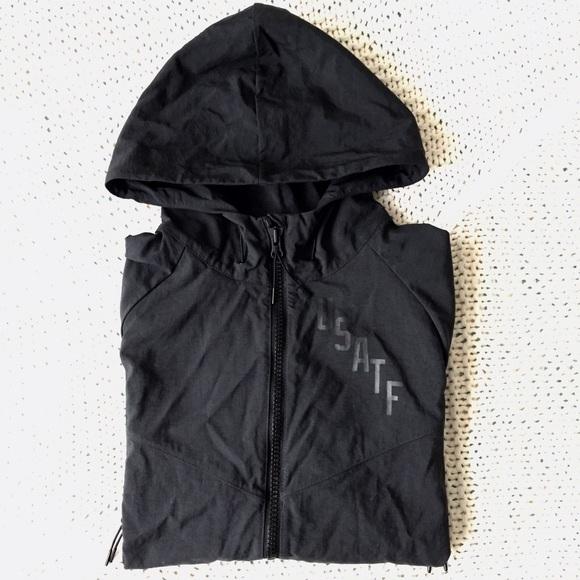 e0cd9c895963 Nike USATF Windrunner Jacket  Men s size Medium. M 583b4924c6c79566610d47b0